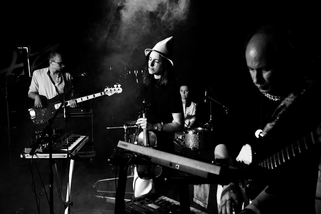 Image of vanishing twin performing live (Left to right): Susumu Mukai, Cathy Lucas, Victoria Mangaletti, Elliott Arndt